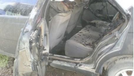 Le incendiaron el auto a un periodista en el Chaco