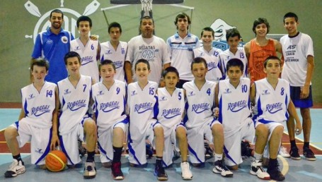 Regatas logró un triunfo clave en el Hexagonal U13