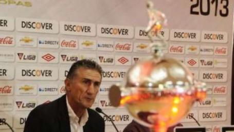 Bauza es el nuevo DT de San Lorenzo, con el desafío de la Copa Libertadores