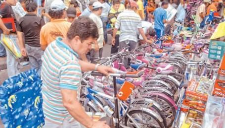 Corrientes pagó sueldos y desató boom de consumo