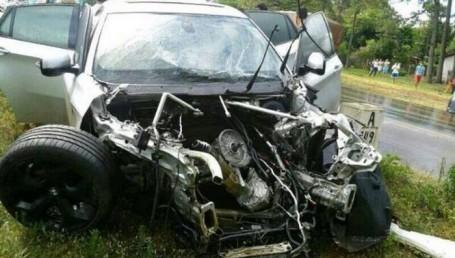El futbolista Iturbe destruyó su camioneta en un choque, resultó ileso