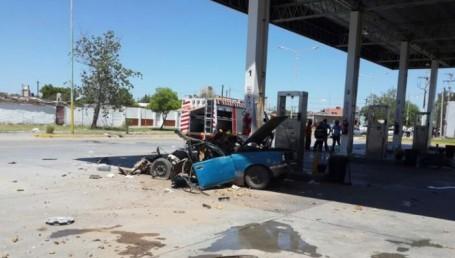 Explotó un auto que cargaba gas: una mujer perdió las piernas