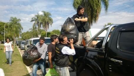 Jóvenes de Proyecto Corrientes asistieron a evacuados de San Luis del Palmar
