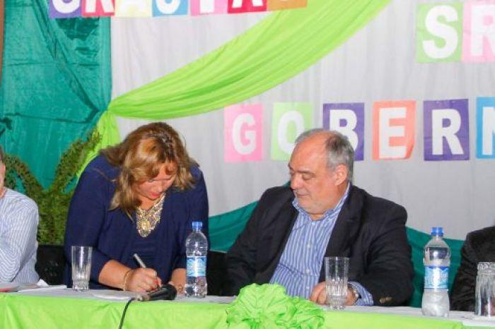 San Carlos: Colombi inauguró obras y firmó convenio por enripiado