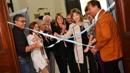 Iturriaga y Pizarro inauguraron una muestra colectiva