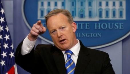 Trump vetó la entrada a un encuentro con la prensa a un grupo de medios