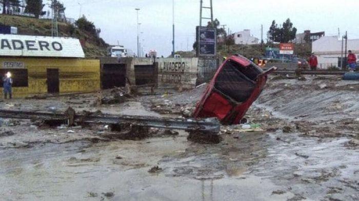 Inundaciones: Mil evacuados y alerta en diez provincias