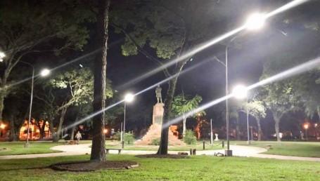 Inauguran la remodelación de la plaza La Cruz