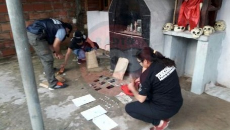 Desbarataron 5 kioscos de droga en una cuadra