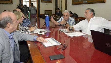 Ríos anunció en la Legislatura la remodelación de plaza 25 de Mayo