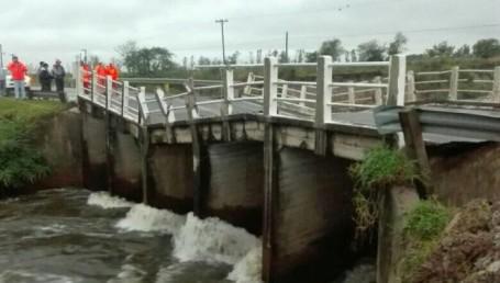 Cayó el puente del arroyo Ibirí Cuá sobre la Ruta 12