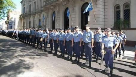 Gobierno dispuso ascensos para la Policía