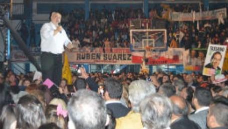 Presentan el candidato a Gobernador de Eco Cambiemos
