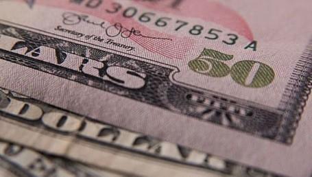 El dólar ganó 20 centavos y alcanzó un nuevo récord