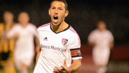 Maxi Rodríguez cruza el charco y jugará en Peñarol