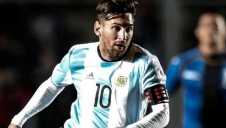 Argentina y Uruguay se disputan el clásico rioplatense