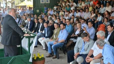 Colombi anunció un nuevo Parque Industrial en Curuzú