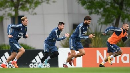 Messi lideró el ensayo táctico con Icardi de nueve