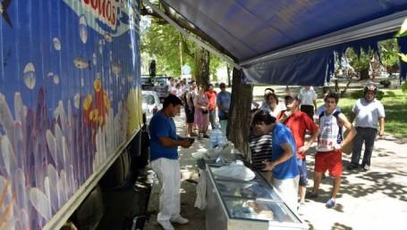 Camiones con frutas y pescados se suman a los Mercados Populares