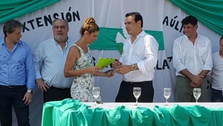 Colombi encabezó la inauguración de dos escuelas secundarias en Ituzaingó
