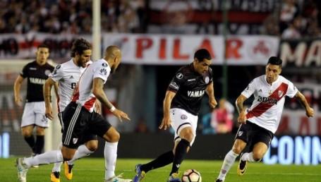 Lanús-River juegan hoy por la Libertadores