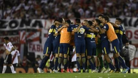 Boca le dio otro golpe a River en el Monumental