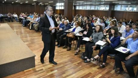Más de 250 concejales se capacitan en Corrientes