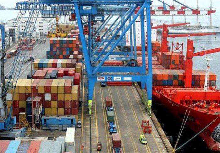 El déficit comercial de junio fue el más bajo del año por la caída de las importaciones