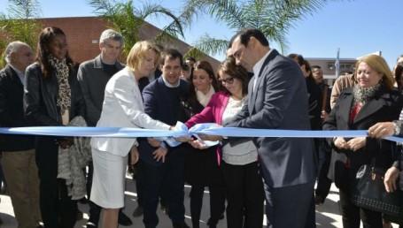 Valdés inauguró un espacio para que los docentes continúen innovando
