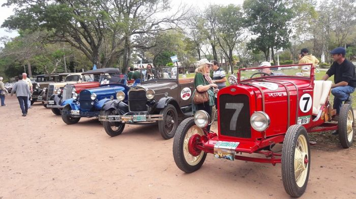 """Este viernes 29 se presenta la exposición de autos históricos """"Mes de Corrientes"""""""
