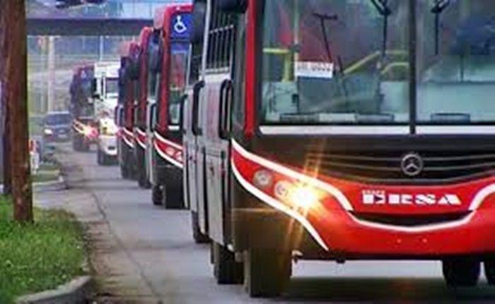 Acuerdo salarial levantó el paro del transporte urbano