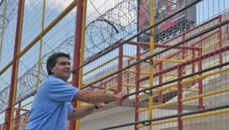 """Capitanich denunció a los """"mafiosos del fútbol"""" por boicot a Sarmiento"""