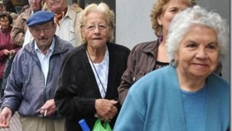 Jubilaciones: prorrogarían la moratoria para mujeres