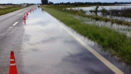 Ruta 12 cortada por peligro de desmoronamientos