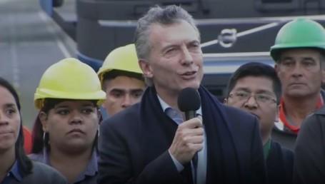 """Macri marca la cancha: """"La plata ya no vuela en bolsos"""""""