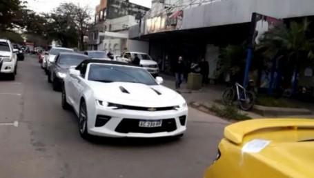 Impresionante flota de autos de lujo secuestrada en operativo contra lavado de dinero