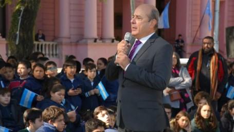 Canteros rindió tributo a Gendarmería en el marco de un concierto sinfónico