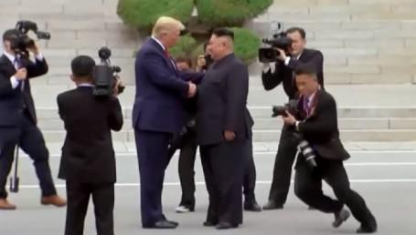 Histórico: Trump, primer presidente de EEUU que pisa Corea del Norte desde la guerra fría