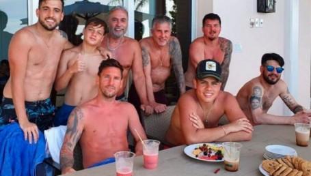 Messi en el Caribe, relax junto a su familia y rojo rabioso