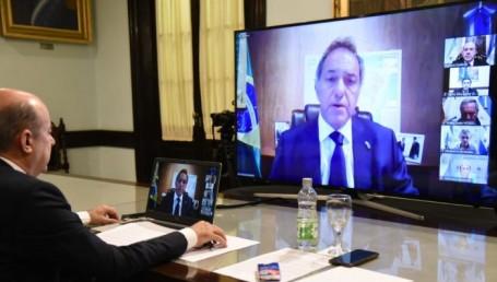 """Canteros en teleconferencia con Scioli para """"poner de pie al país"""""""